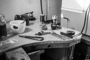 Détail d'atelier de joaillerie, Marie-Noëlle Monfort, Portrait d'entrepreneur, Wallonie 2018