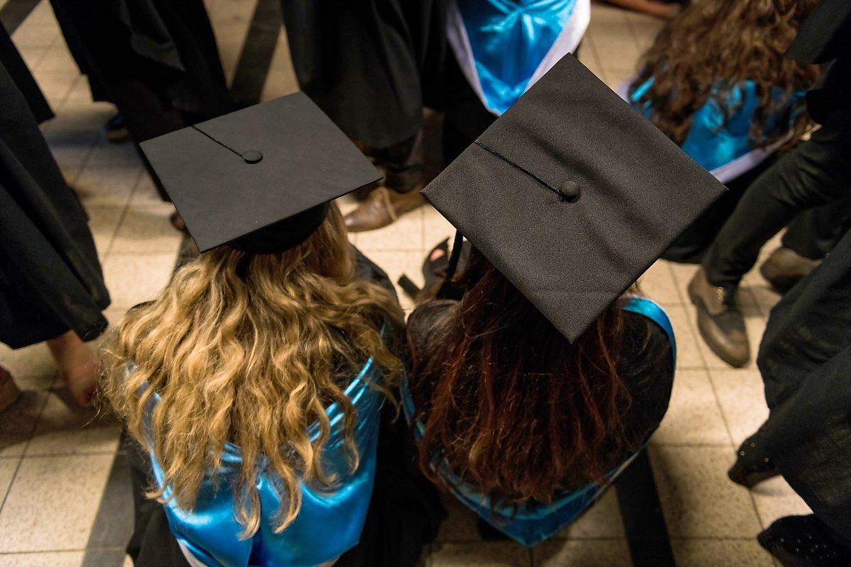 Proclamation de la promotion 2017-2018 de la Faculté de Philosophie et Sciences Sociales 13-10-2018. Aurore Delsoir Photographe d'entreprise à Bruxelles et en Wallonie