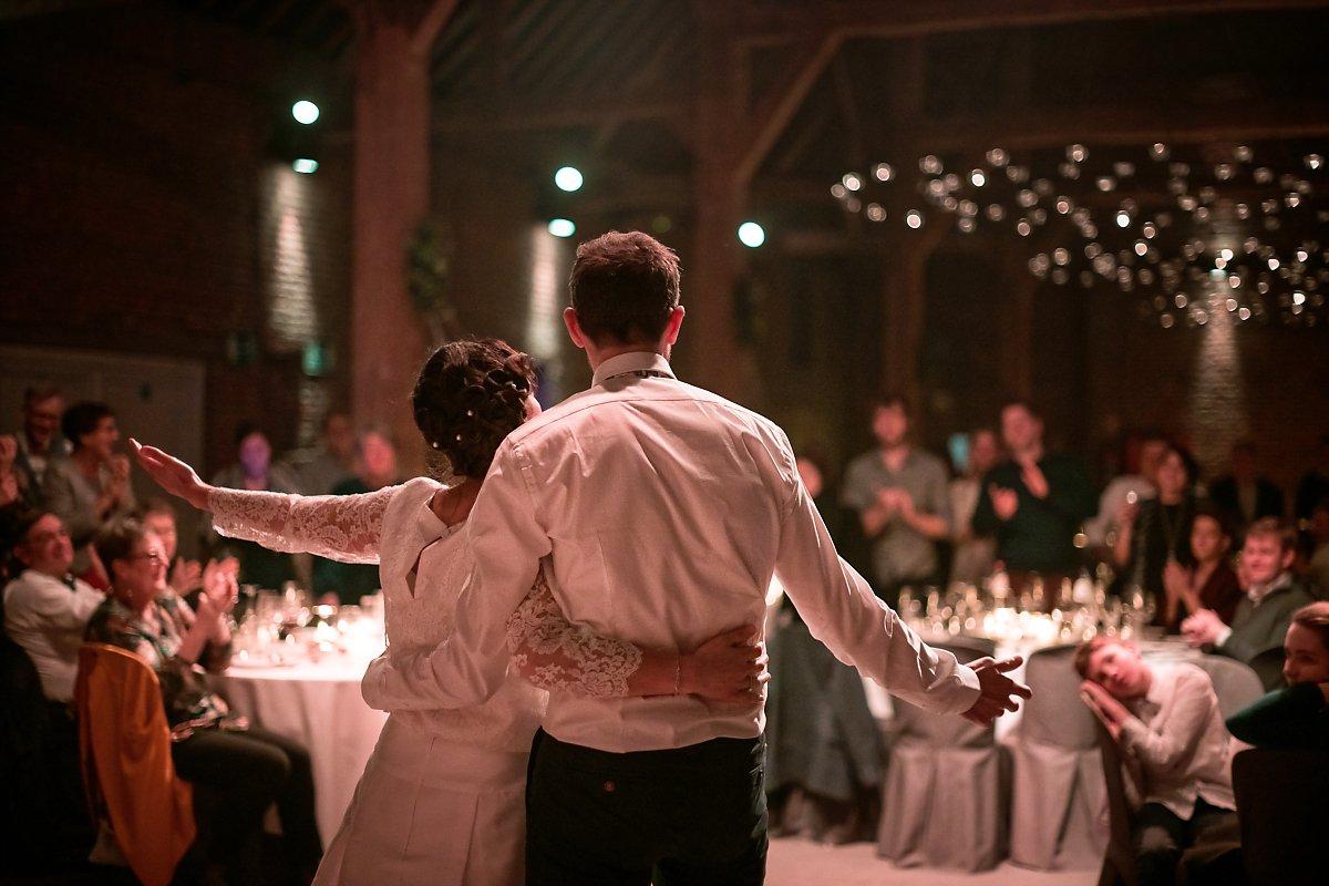 Première danse des mariés, mariage d'hiver, Aurore Delsoir photographe de mariage