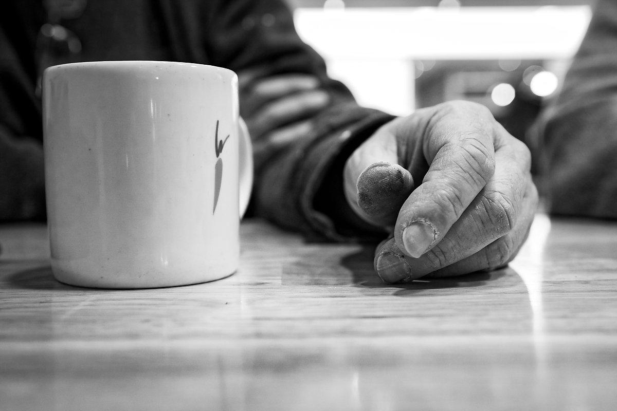 Des mains de peintre, Portrait d'entrepreneur, Christian Delhausse, Couleur Passion. Aurore Delsoir Photographe d'entreprise