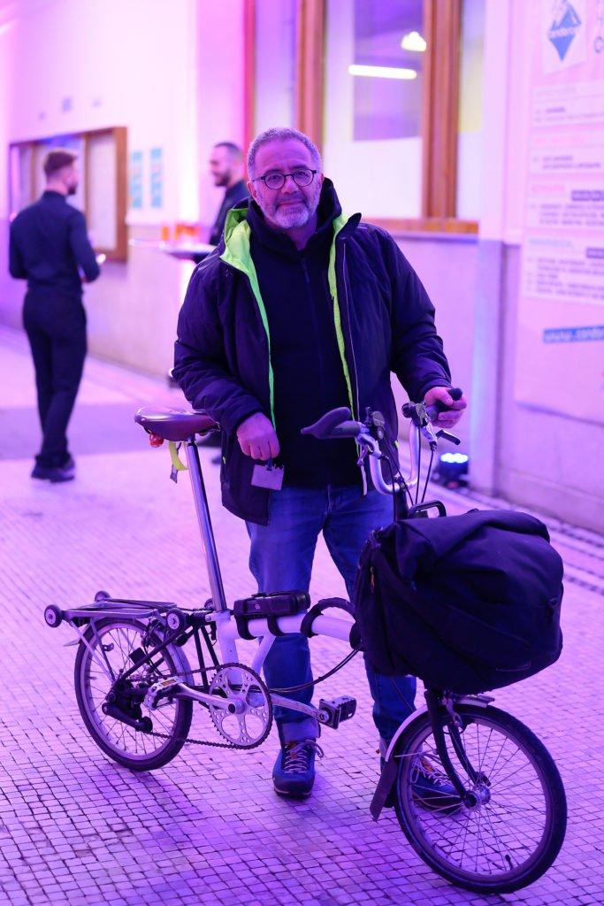 On vient au FabLab Charleroi à vélo! Inauguration du FabLab de Charleroi, événement d'entreprise par Aurore Delsoir photographe d'entreprise à Bruxelles et en Wallonie