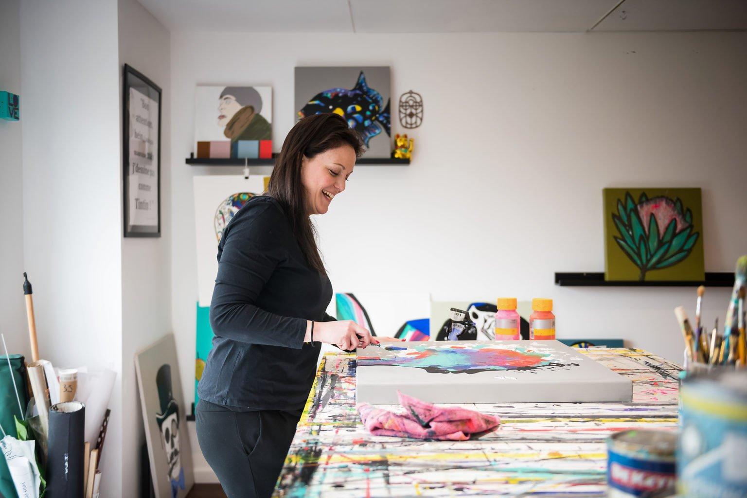 Au travail, Maïté Jansen, Portrait d'entrepreneur par Aurore Delsoir photographe d'entrepris
