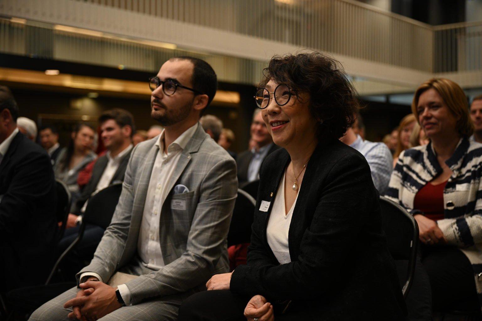Mr Abergele et Mme Ninane (Rotary), Conférence à propos du CBTC, par le Rotary Club de Louvain-La-Neuve