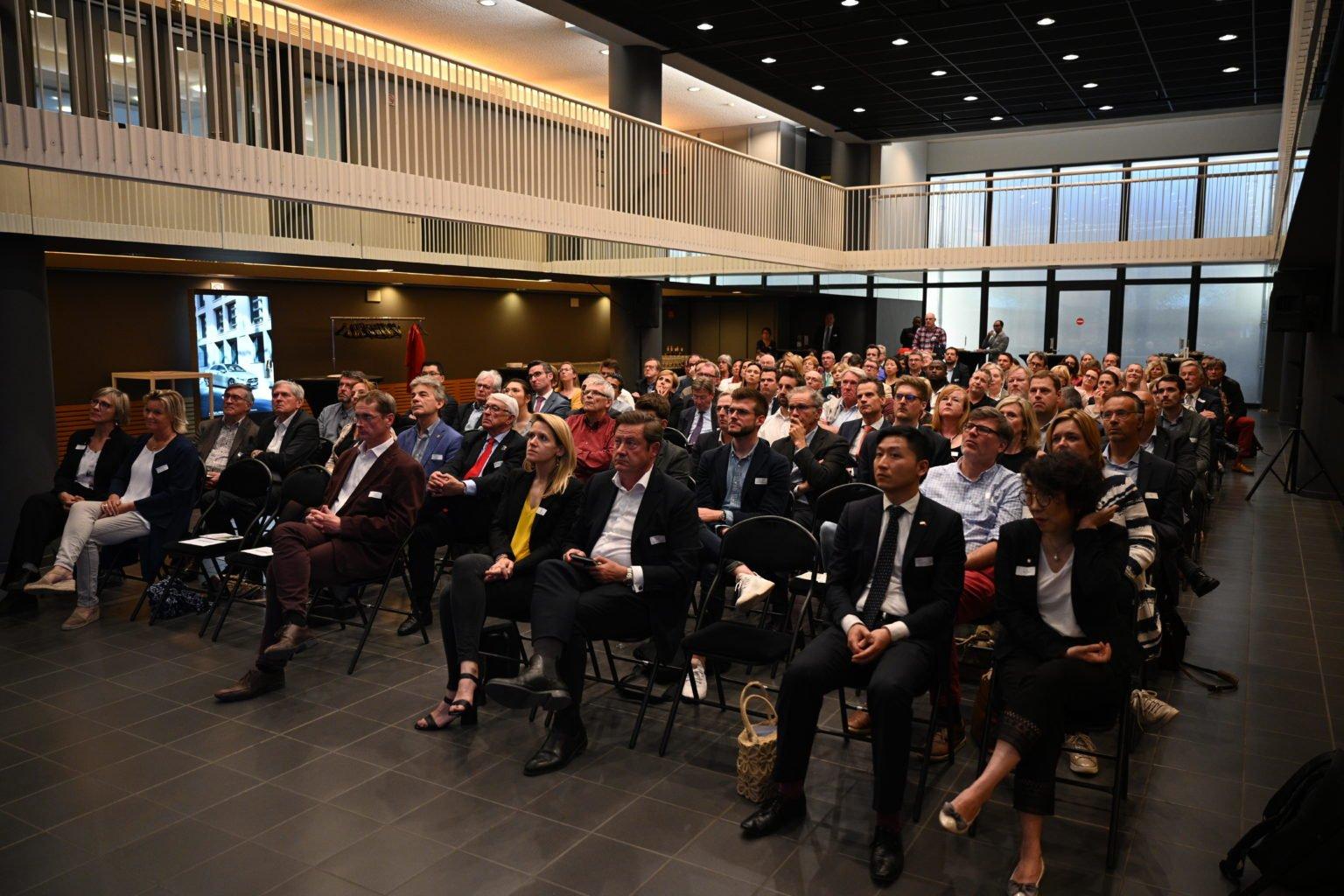 Vue du public, Conférence à propos du CBTC, par le Rotary Club de Louvain-La-Neuve