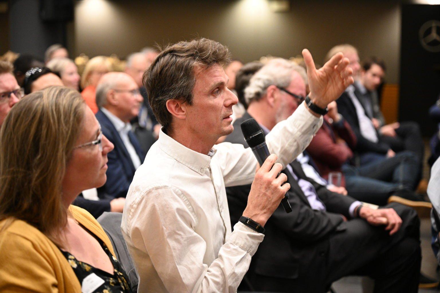 Débat, Conférence à propos du CBTC, par le Rotary Club de Louvain-La-Neuve