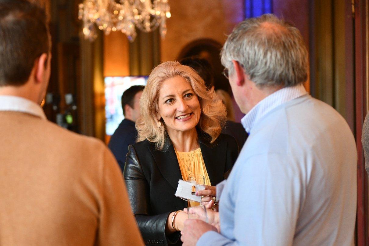 Networking dans les salons du Cerckle de Wallonie, Nuit des Entrepreneurs Inspirants, Namur, 2ème édition