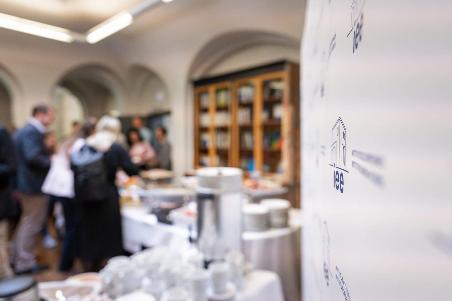 """Pause durant la conférence, Institut d'Etudes Européennes, Conférence Biennale """"L'UE dans les affaires européennes"""", juin 2019. Aurore Delsoir Photographe d'entreprise"""