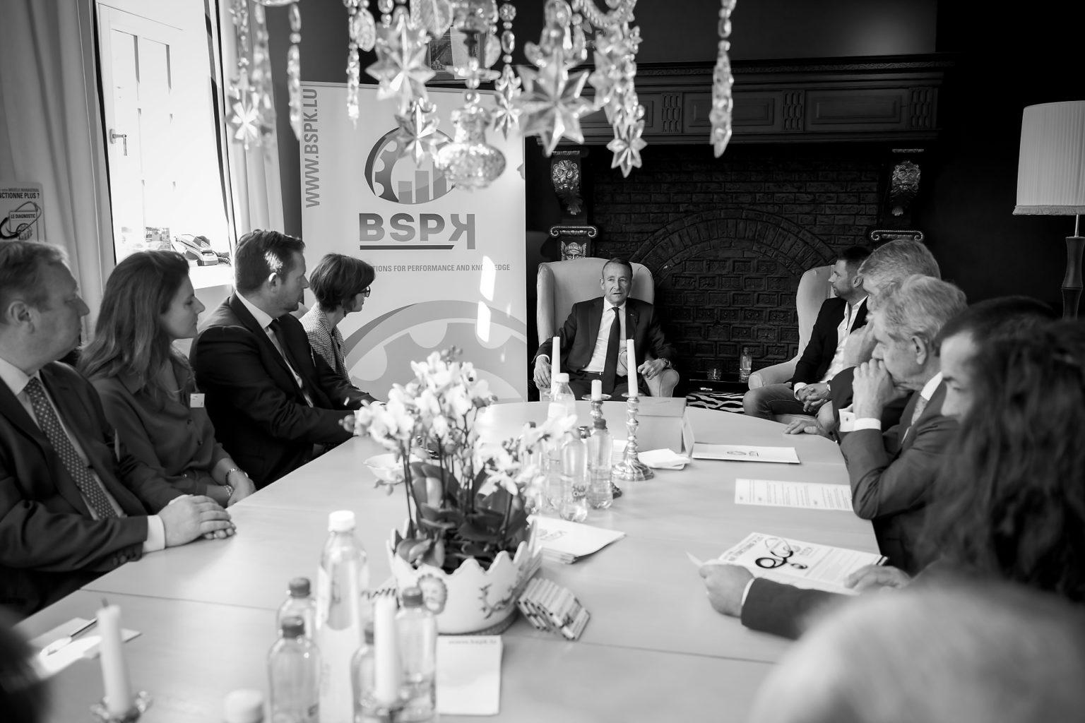Salle du petit déjeuner, Matinée conférence avec Pierre de Villiers, organisée par BSPK au Faubourg Saint-Martin, 21-06-2019, par Aurore Delsoir Photographe d'entreprise