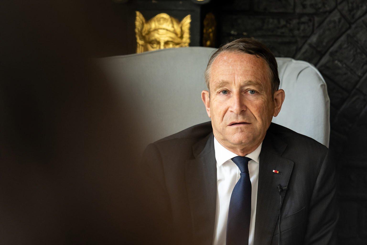 Portrait de Pierre de Villiers, Matinée conférence avec Pierre de Villiers, organisée par BSPK au Faubourg Saint-Martin, 21-06-2019, par Aurore Delsoir Photographe d'entreprise