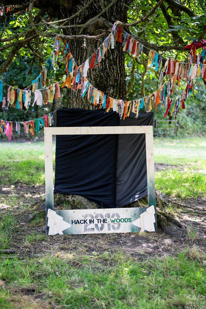 Décor du Hack in the Woods 2019 au Domain de Graux par Aurore Delsoir photographe corporate