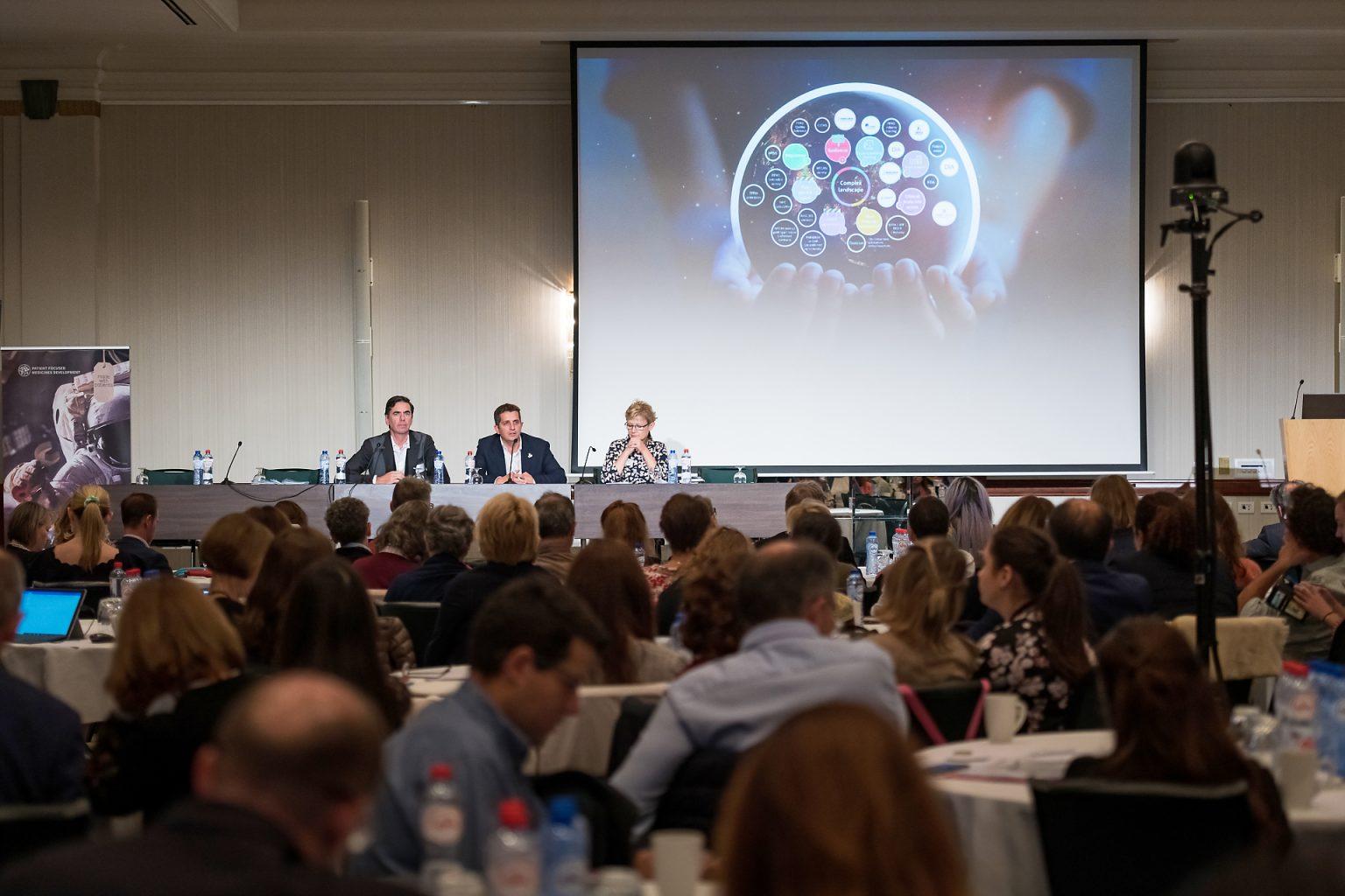 Evénement d'entreprise : Présentation de conclusions lors du PEOF, lors du reportage photographique de l'événement par Aurore Delsoir photographe événementiel