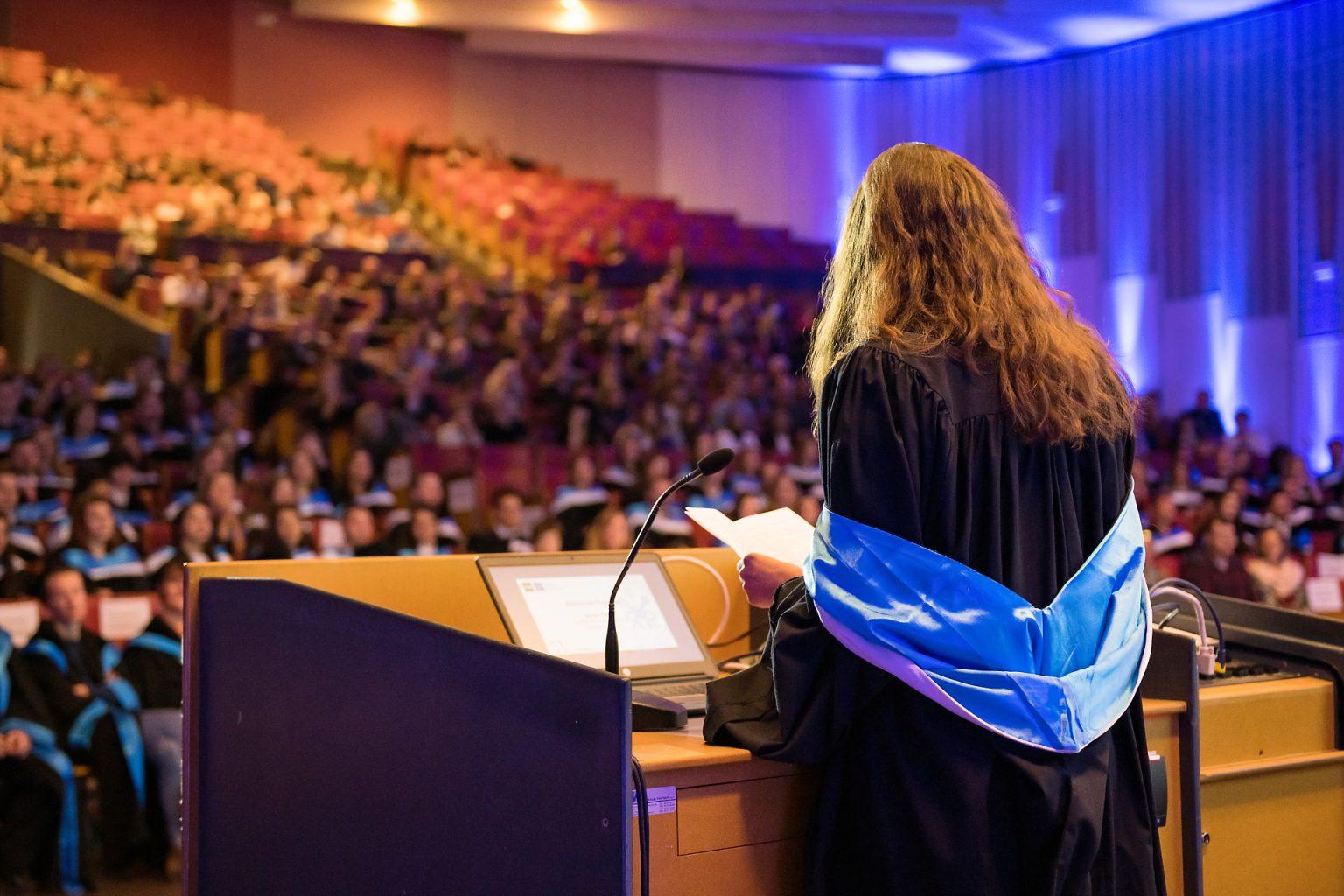 détail de l'auditoire, Proclamation Promotion 2018-2019 PhiloSoc (ULB par Aurore Delsoir photographe événementiel