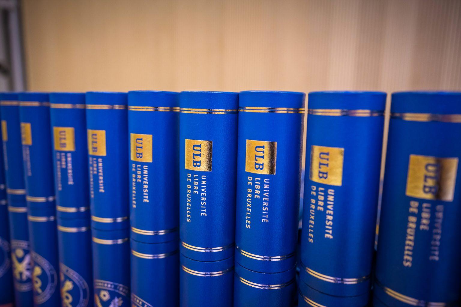 Détails des diplômes, Proclamation de la promotion des Facultés de Lettres, traduction et Communication 2018-2019 (ULB), par Aurore Delsoir Photographe corporate