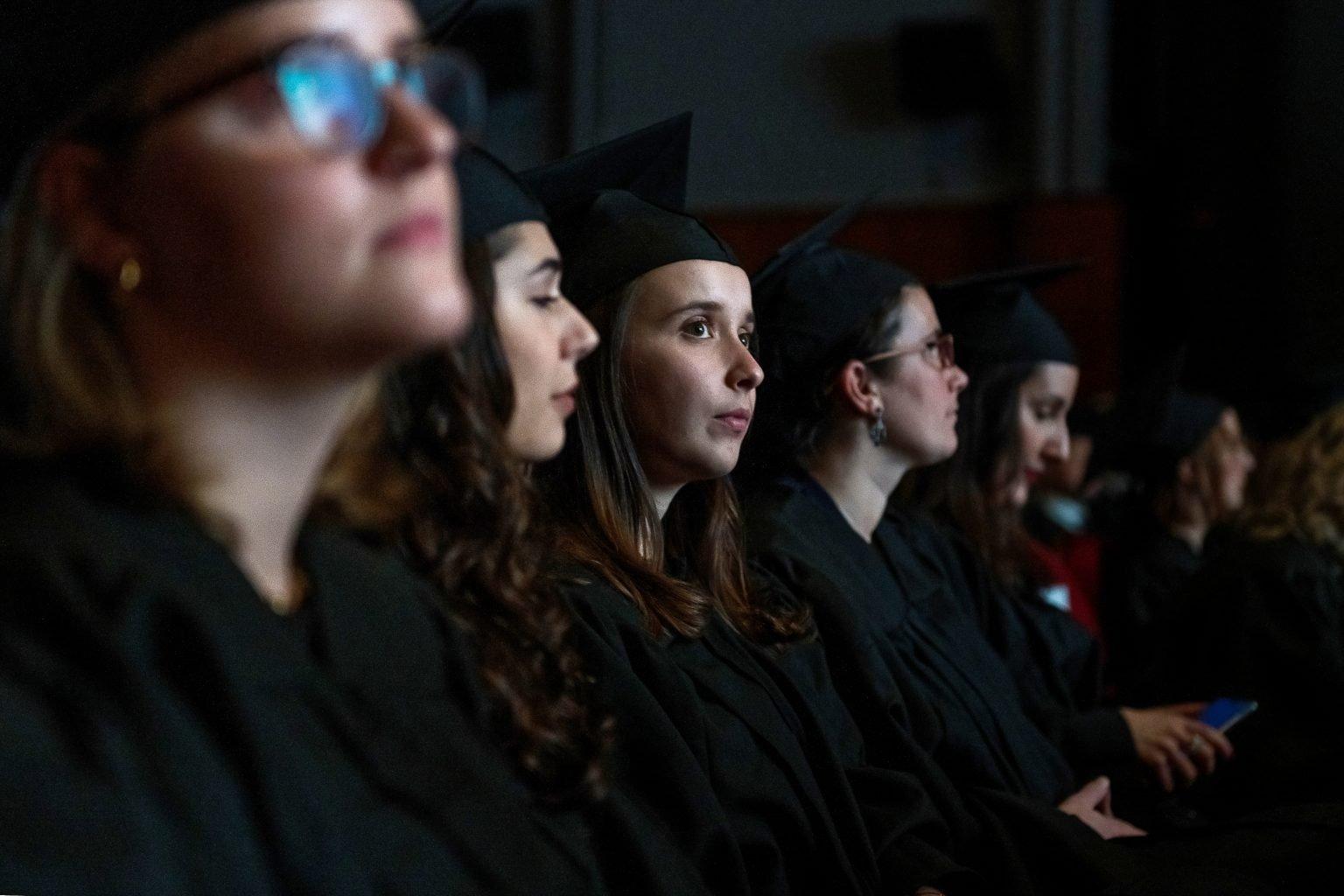Détail des diplômés, remise de diplômes de la proclamation 2018-2019 de la FUCaM, par Aurore Delsoir Photographe Corporate