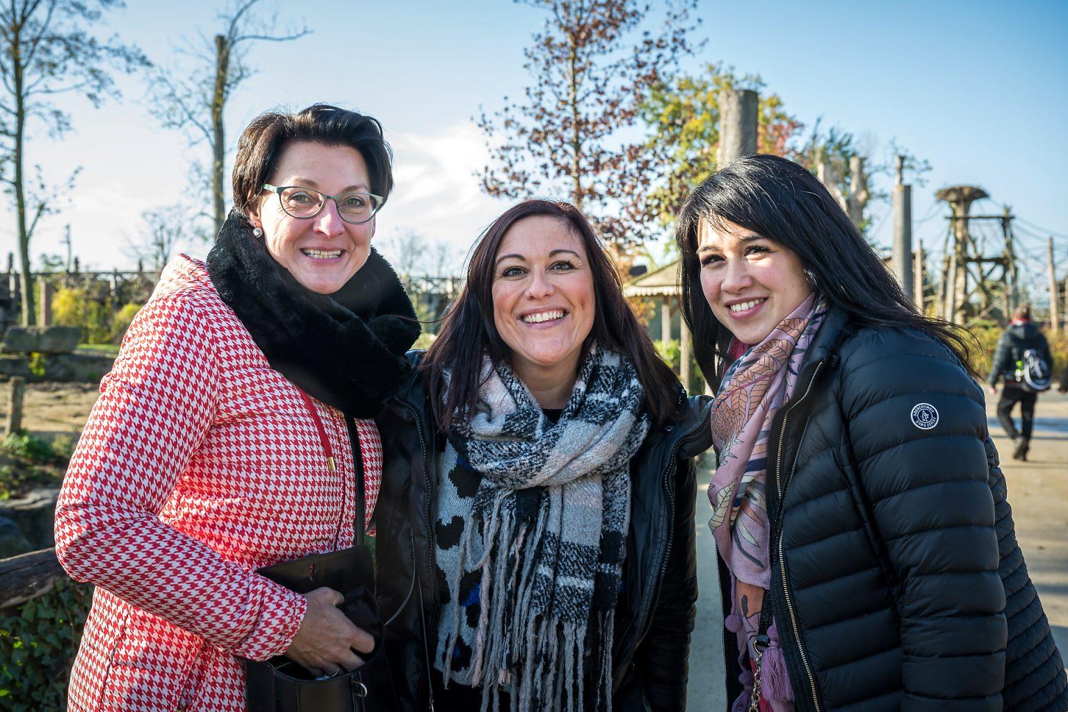 Trois membres d'équipe, Team building et quizz en équipe, Belfius Charleroi Centre & Villes à Pairi Daiza par Aurore Delsoir photographe événementiel