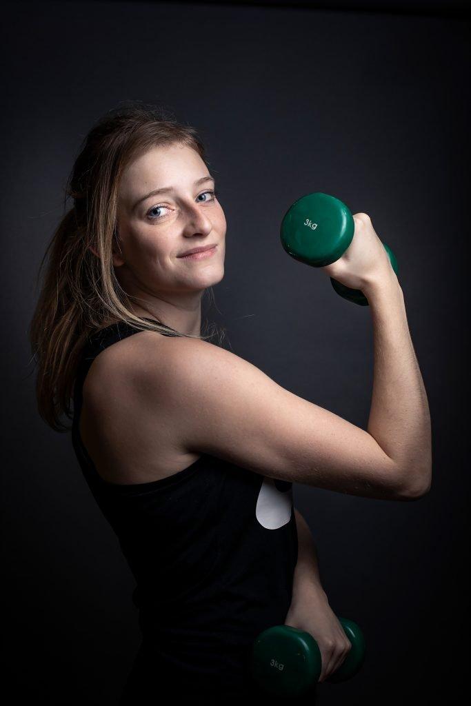 Portrait de Laurie Henriet, Travail sur la confiance en soi par la pratique sportive et la photographie, Aurore Delsoi
