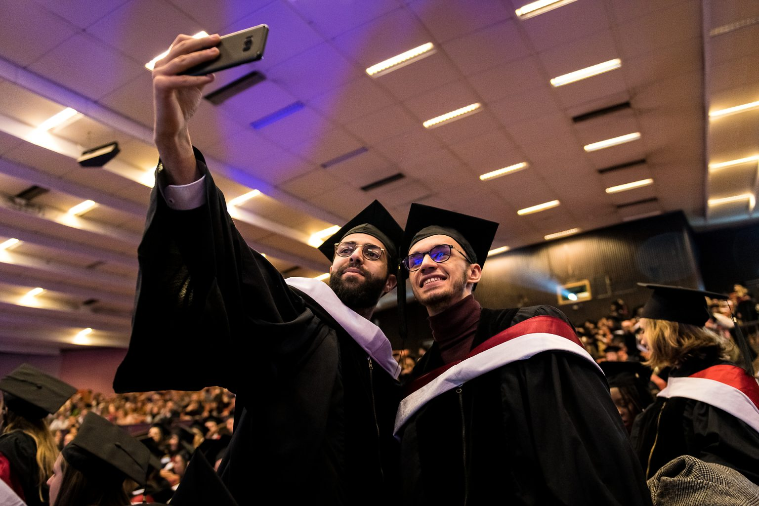 Photo d'un selfie, Proclamation de la promotion 2018-2019 de la Faculté de Droit (ULB) par Aurore Delsoir photographe corporate