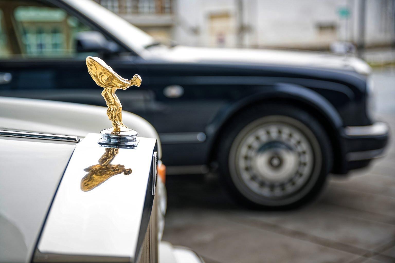 Rolls-Royce de location, Détail d'un costume sur mesure, Salon Party and Wedding à la Sucrerie de Wavre, 15/02/2020